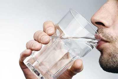 در روز باید چقدر آب بنوشیم؟
