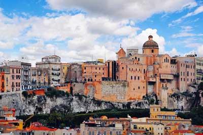 خانه هایی که دیگر مشتری ندارند!/شهری در ایتالیا با خانه های ۶ هزار تومانی!